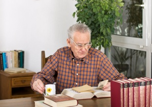 Senior man found newspaper clipping in old books